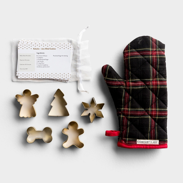 Candace Cameron Bure - Comfort + Joy Oven Mitt + Cookie Cutters + Recipe Cards